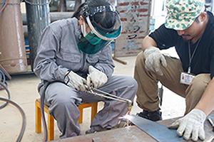 溶接による鉄の立体作品づくり